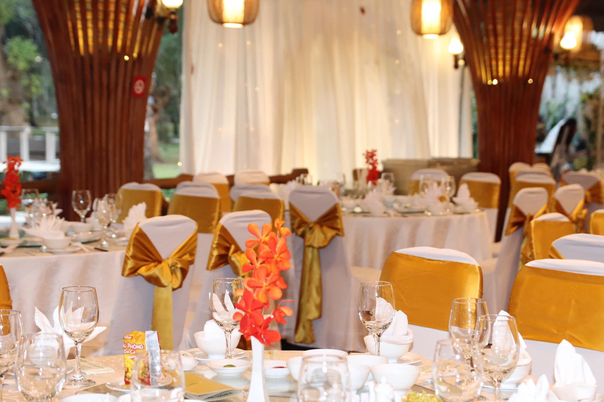 tiệc cưới ở dinh độc lập quận 1