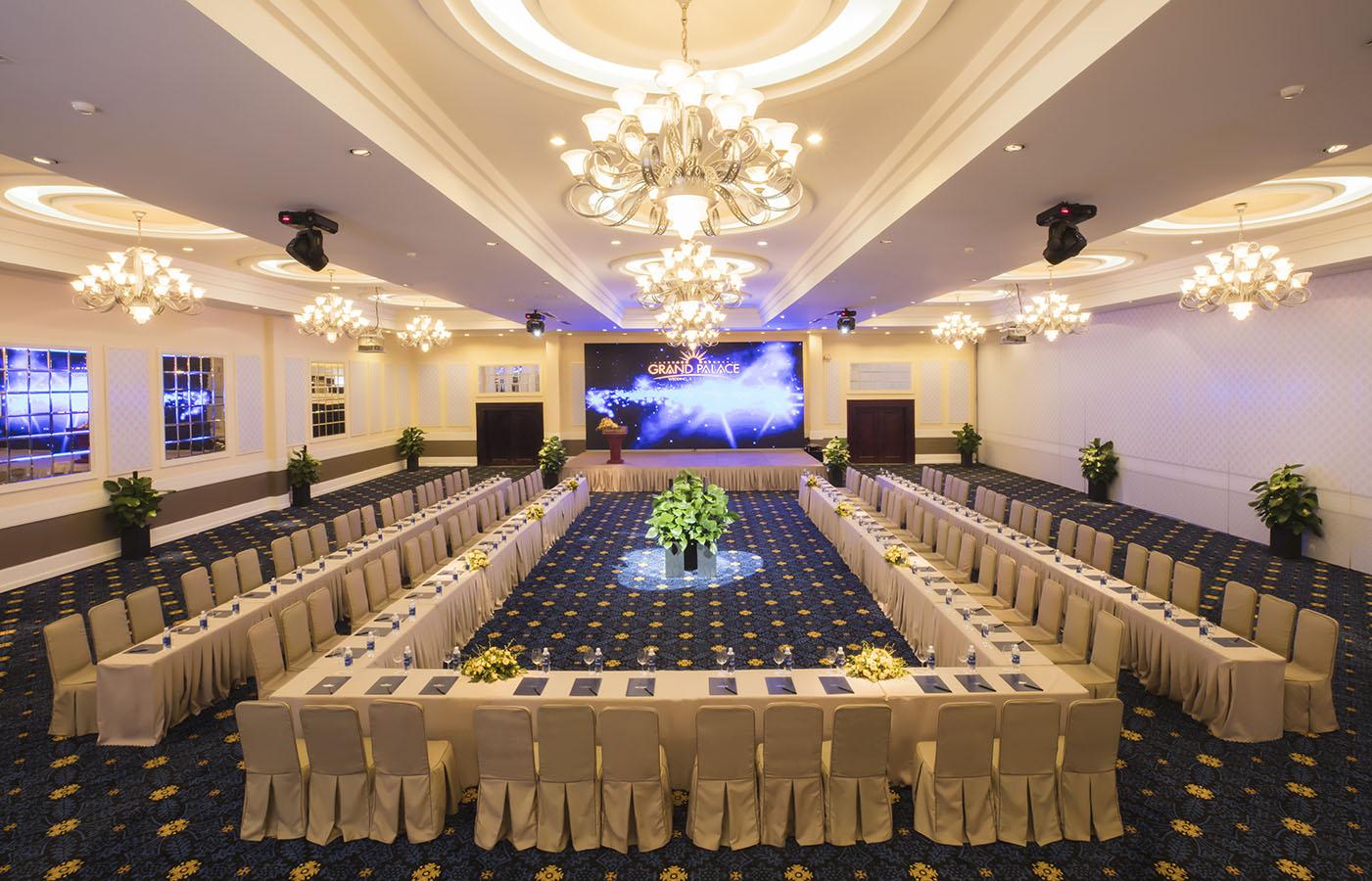 Sảnh tiệc nhà hàng tiệc cưới Grand Palace Tân Bình