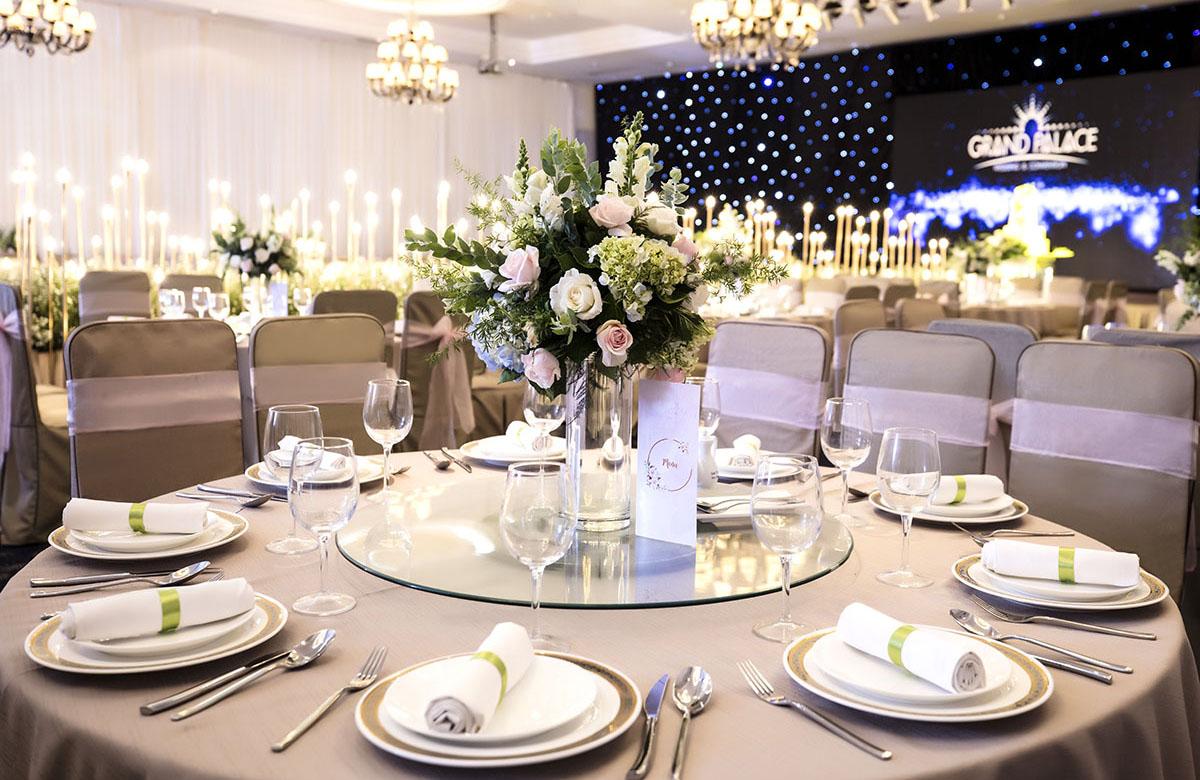 tổ chức tiệc cưới tại nhà hàng grand palace Cộng Hoà