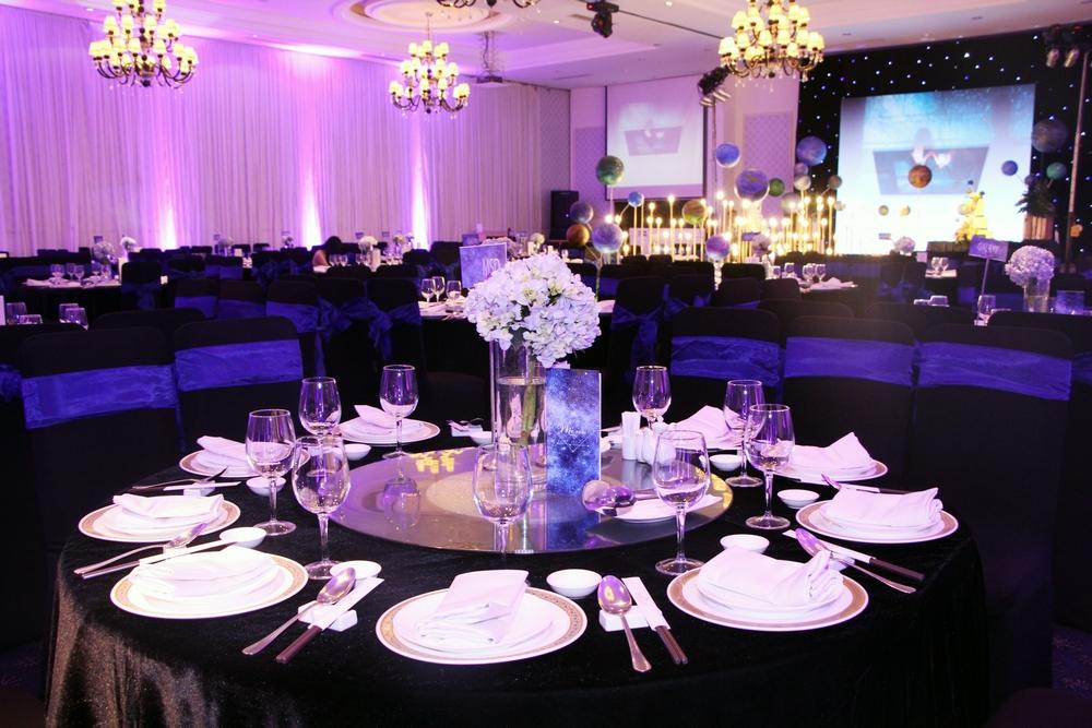 Trang trí tiệc cưới màu tím 4