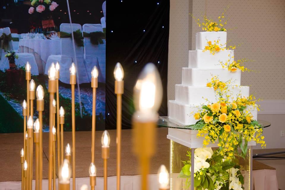 Trọn Trang trí tiệc cưới Dìn Ký Center Cộng Hoà