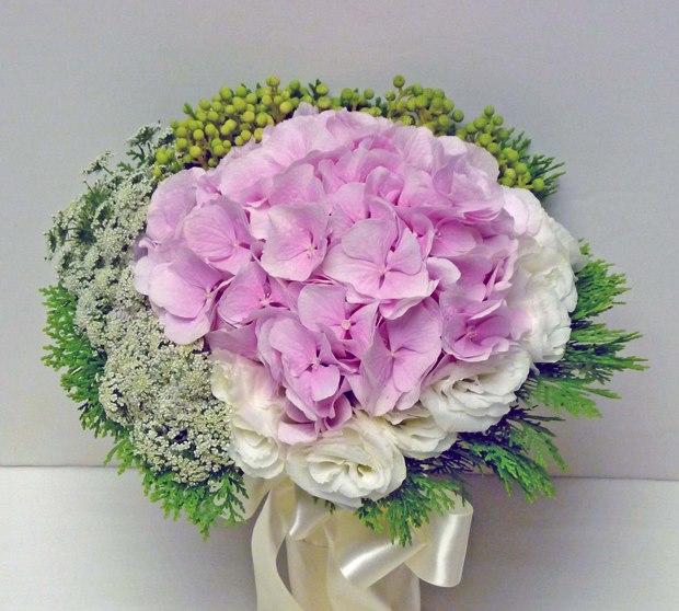 LOVE FLOWERS -HOA CƯỚI HỒNG THẮM